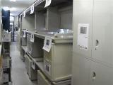 店内には什器が一杯です。その他タイムカード・空気清浄機・金庫・新品什器・全国のありがとう屋から取り寄せ可能。