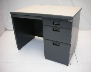 中古オフィス家具の片袖デスクです!おしゃれなブラック!