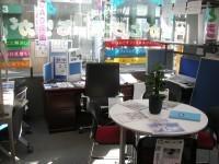 中古オフィス家具ありがとう屋。朝の店内の様子です。