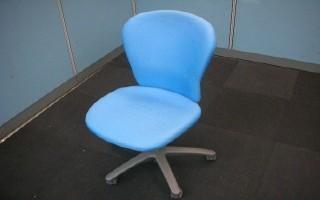 中古オフィス家具のOAチェアーです!座り心地抜群!