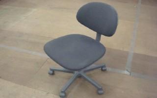 中古オフィス家具のOAチェアーです!オフィスの定番!